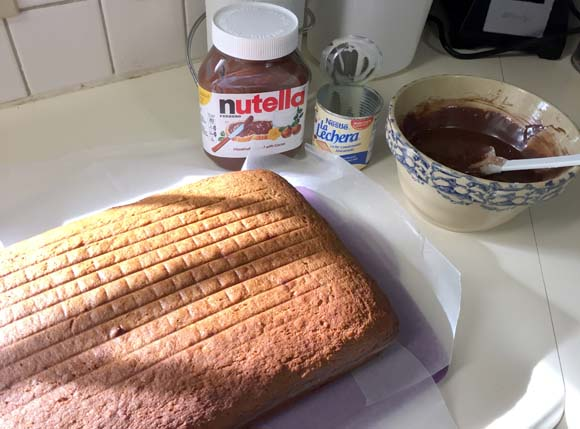 banana-cake-pre-glaze
