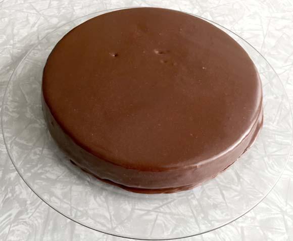 round-banana-cake