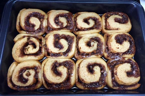 cinn-rolls-baked